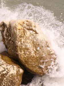 Il mare sulla scogliera di Caorle
