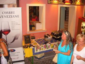 Degustazione Vini Tipici Locali a Caorle, Venezia