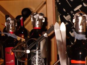 """A Caorle sono arrivati i nuovi porta-bottiglia: """"Il Chitarrista"""", """"Il Calciatore"""", """"Lo Sciatore"""""""