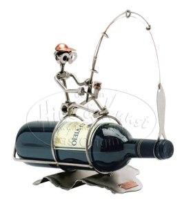 Porta bottiglia: il Pescatore. Fine scultura metallo.